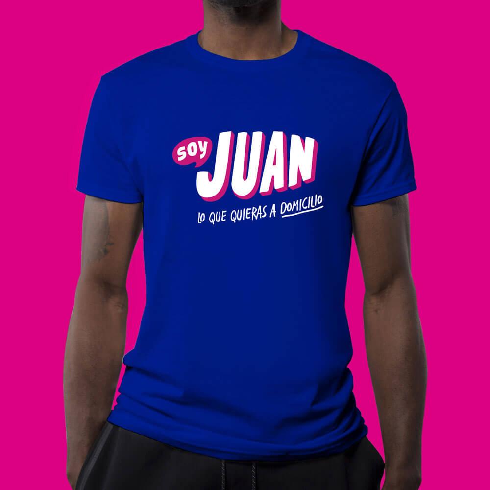 Diseño de logotipo app soy Juan aplicación en playera - Lilian Feres Agencia Creativa